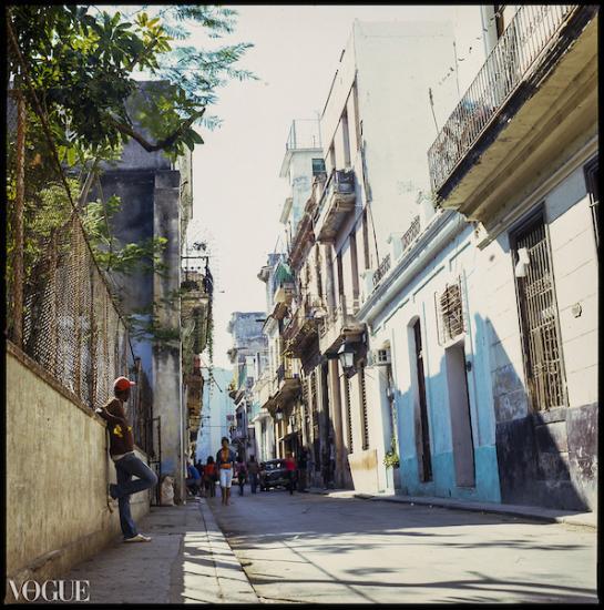Man against Wall Old Havana